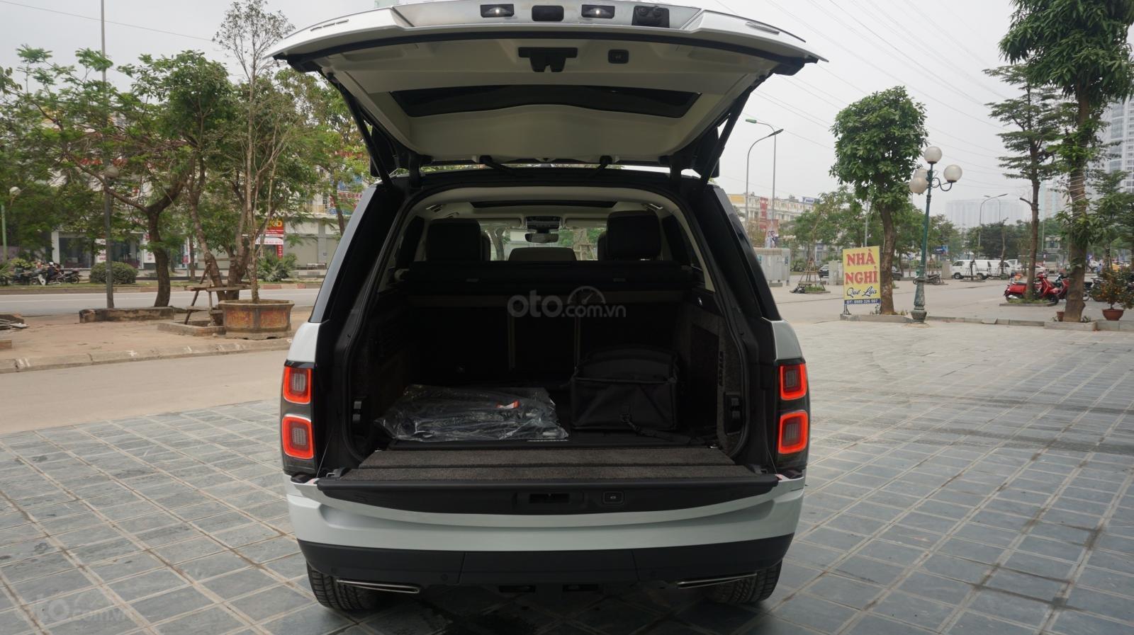 Cần bán xe LandRover Range Rover HSE năm 2019, màu trắng, xe nhập-13