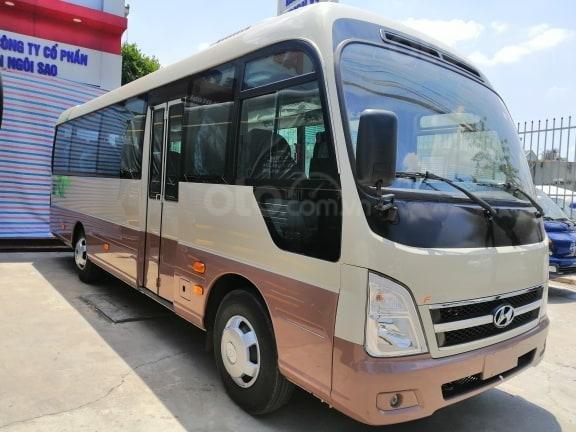 Xe khách Hyundai County 29 chỗ, khuyến mãi 30tr + vàng 9999 may mắn, hỗ trợ trả góp-1