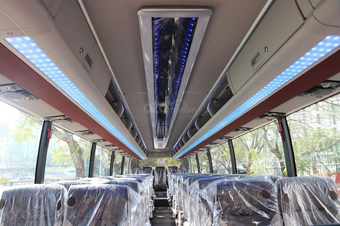 Xe khách Hyundai County 29 chỗ, khuyến mãi 30tr + vàng 9999 may mắn, hỗ trợ trả góp-3