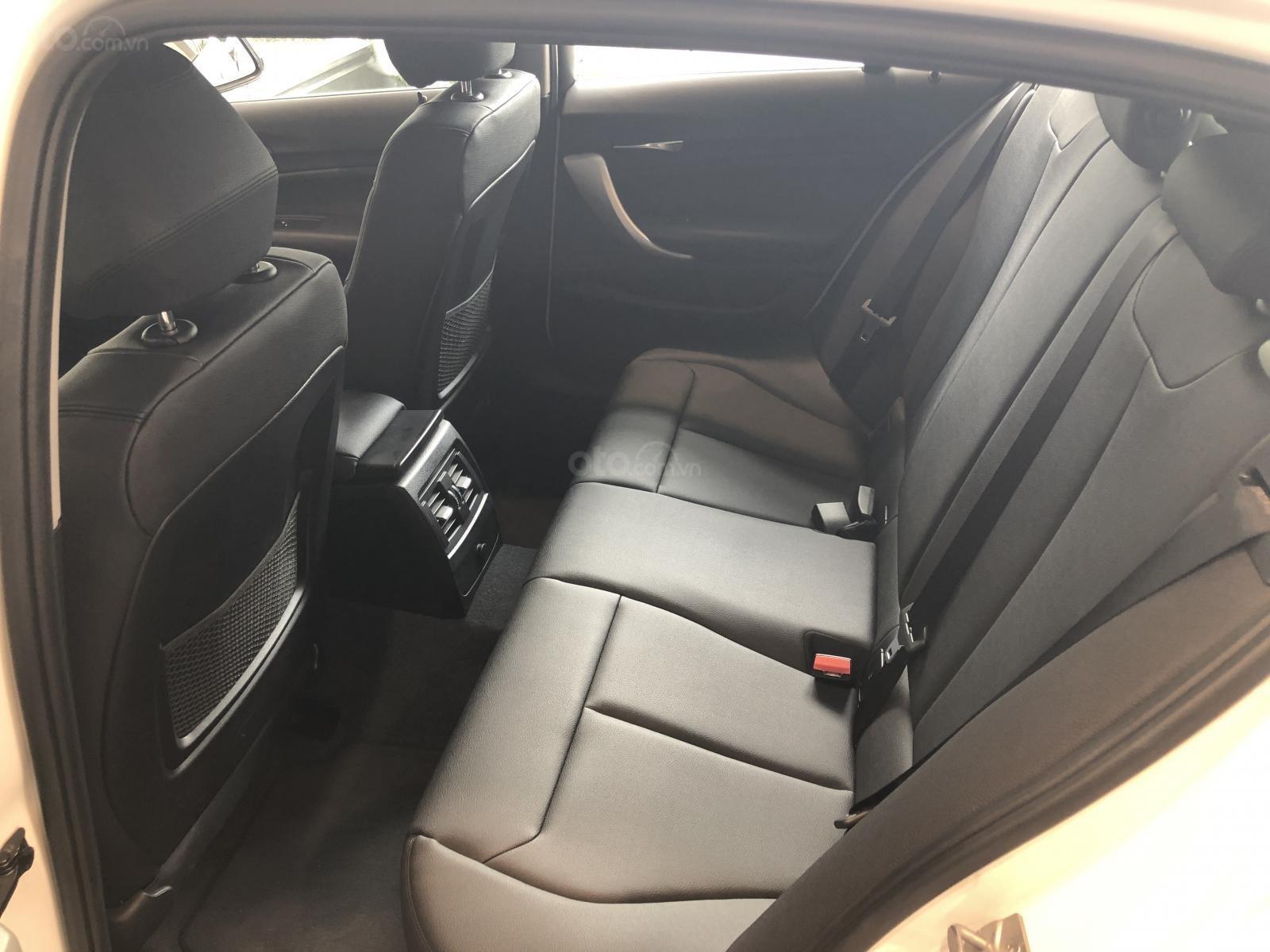 Cần bán xe BMW 1 Series 118i năm sản xuất 2018, màu trắng, xe nhập-4