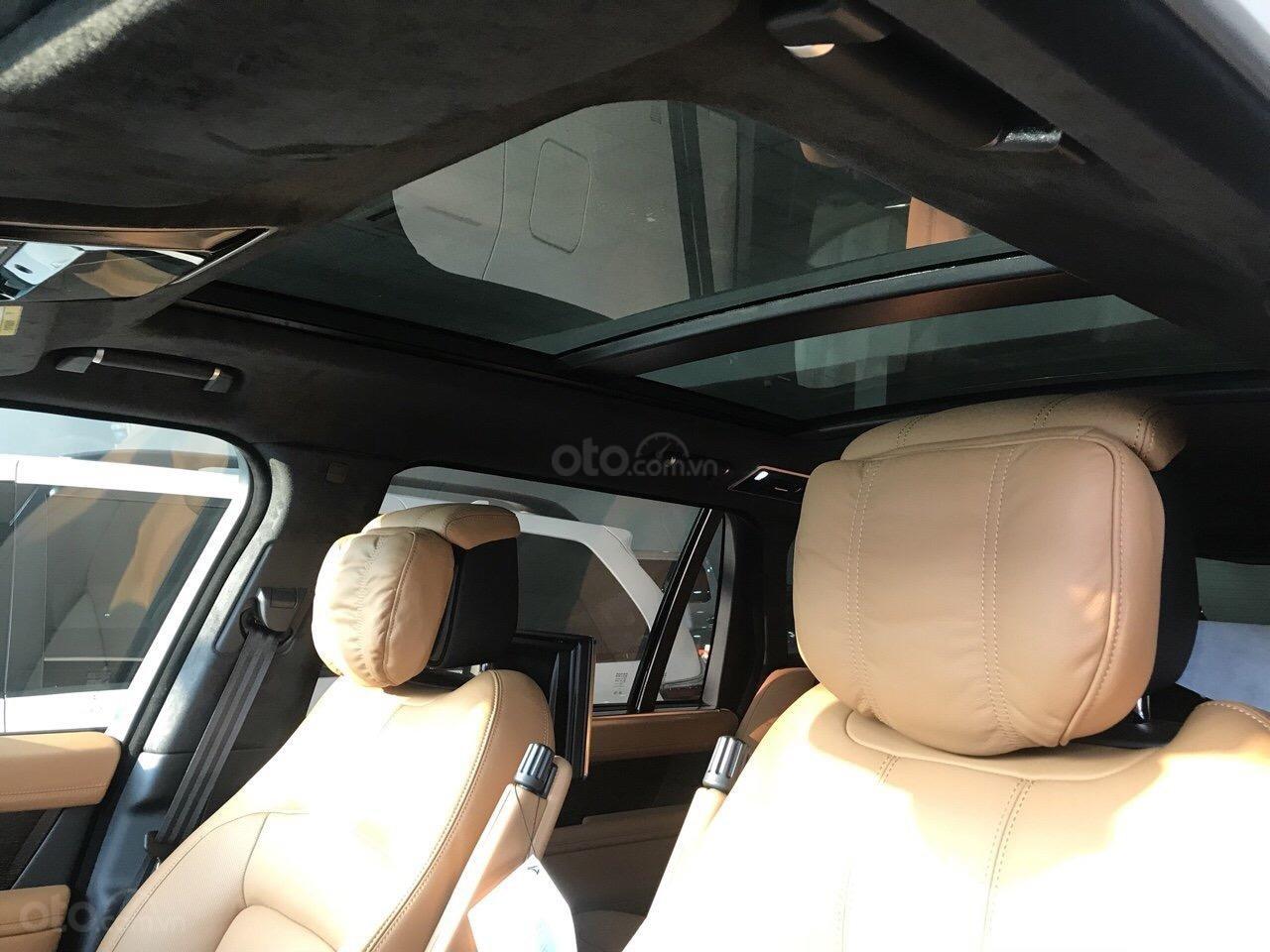Bán ô tô LandRover Range Rover Autobiography LWB, sản xuất 2019, màu trắng, nhập khẩu nguyên chiếc (4)
