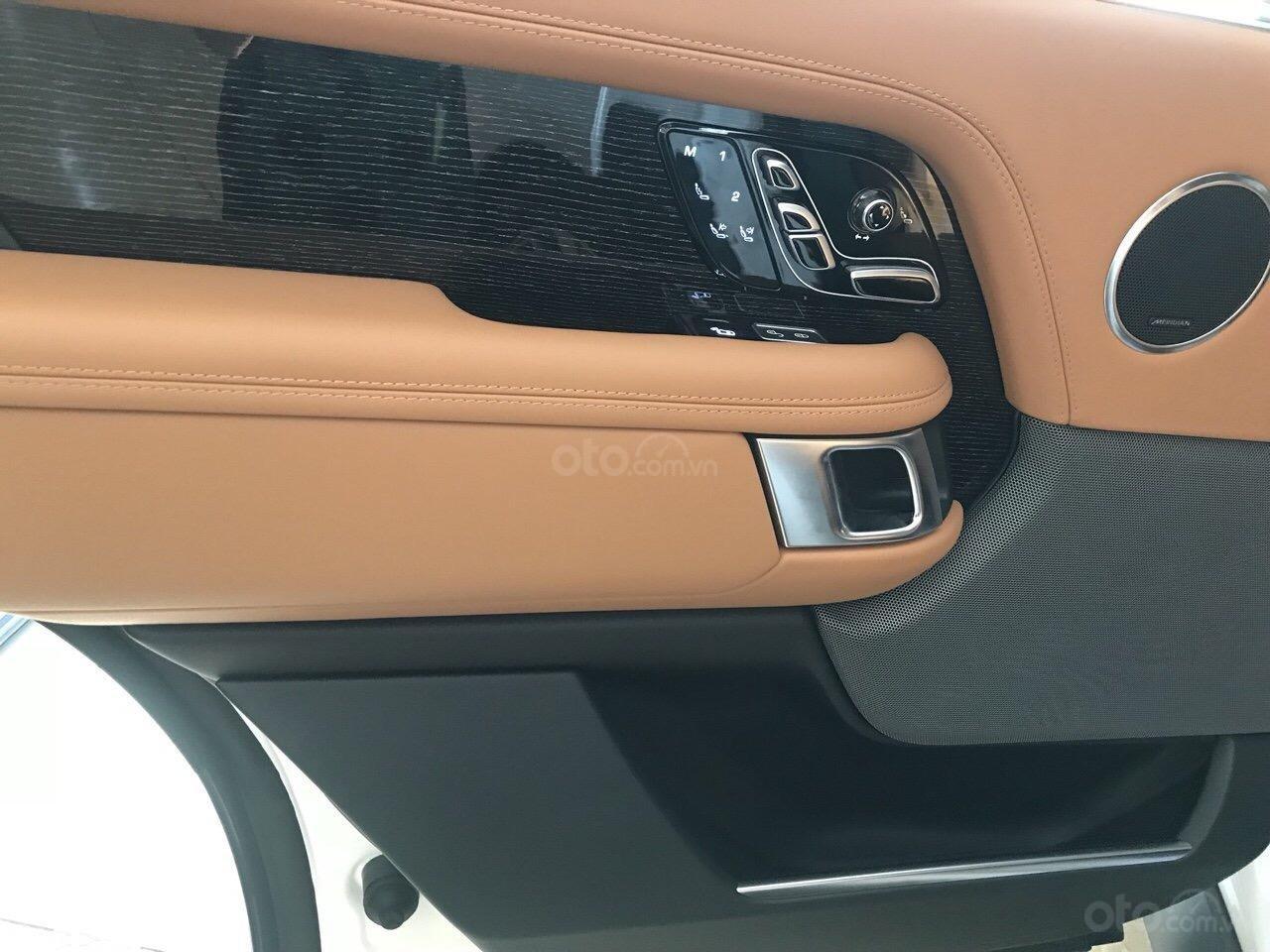 Bán ô tô LandRover Range Rover Autobiography LWB, sản xuất 2019, màu trắng, nhập khẩu nguyên chiếc (5)
