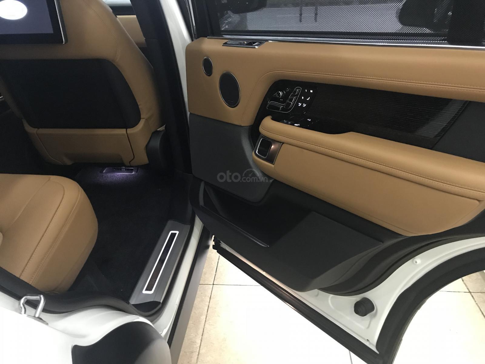 Bán ô tô LandRover Range Rover Autobiography LWB, sản xuất 2019, màu trắng, nhập khẩu nguyên chiếc (9)