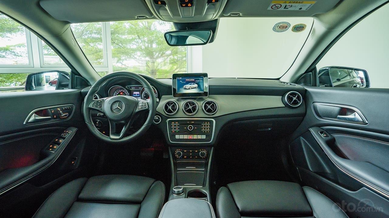 Bán Mercedes CLA200 2017 cũ, 30km, giá tốt Motorshow 2019 (6)