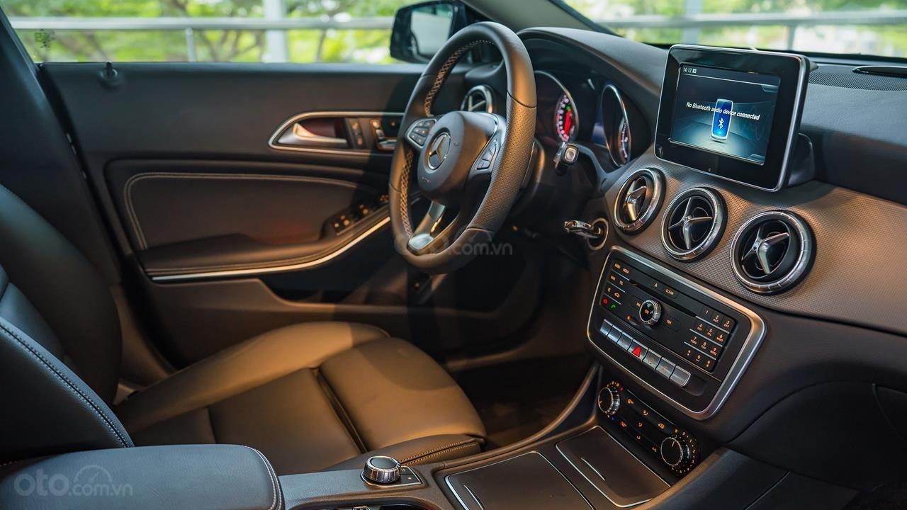 Bán Mercedes CLA200 2017 cũ, 30km, giá tốt Motorshow 2019 (7)