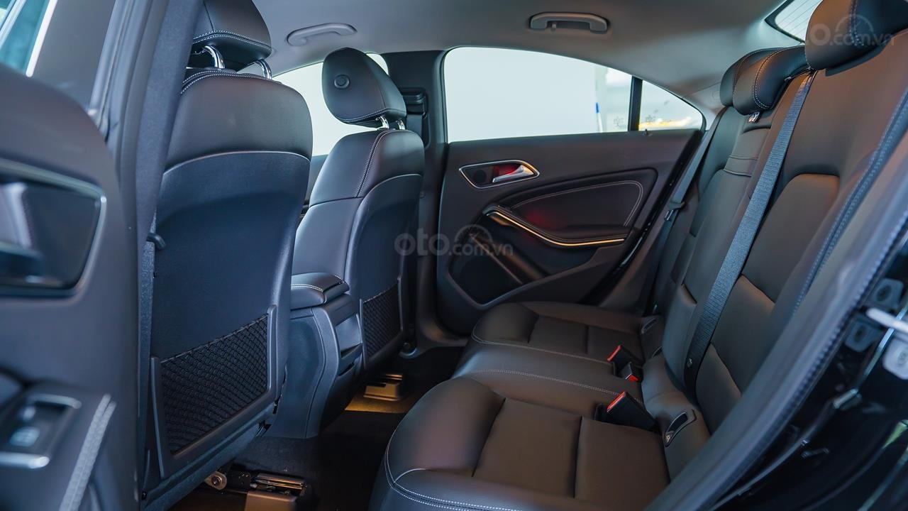 Bán Mercedes CLA200 2017 cũ, 30km, giá tốt Motorshow 2019 (9)