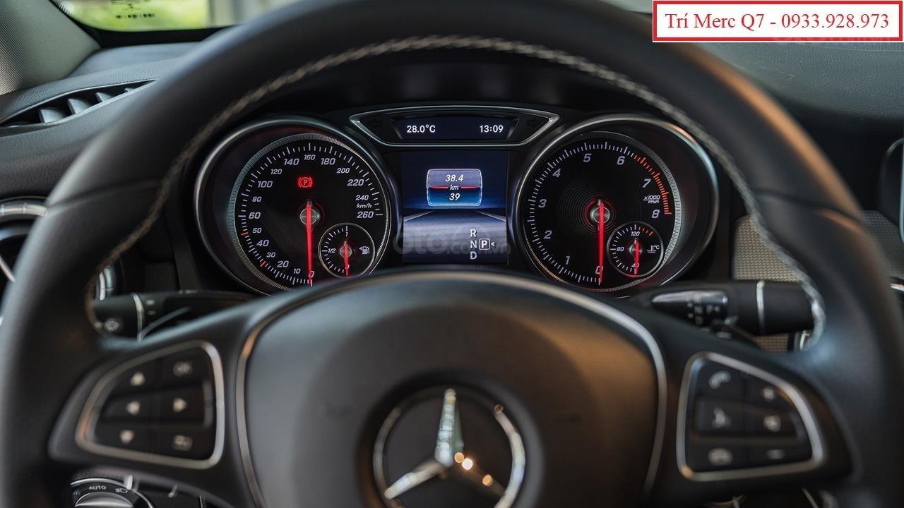 Xe lướt Mercedes-Benz CLA200 cũ 2018, giá tốt nhất Motorshow 2019 (7)