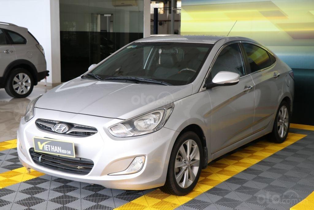 Cần bán Hyundai Accent 1.4AT sản xuất năm 2012, màu bạc, nhập khẩu (1)