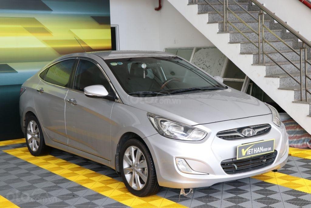Cần bán Hyundai Accent 1.4AT sản xuất năm 2012, màu bạc, nhập khẩu (3)
