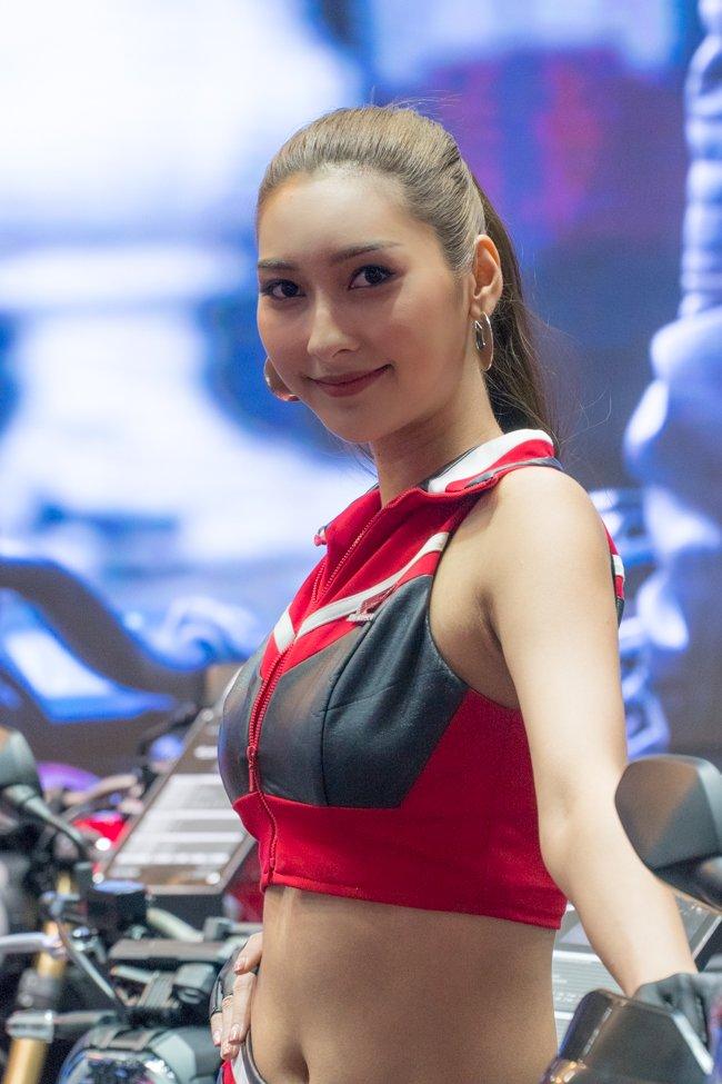Không chỉ xe, Bangkok Motorshow 2019 còn thu hút khách bởi dàn gái xinh sdfsdf