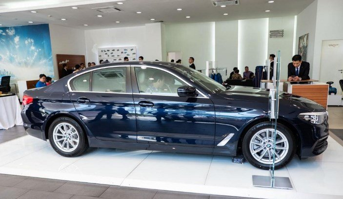 Thân xe BMW 5-Series 2019.