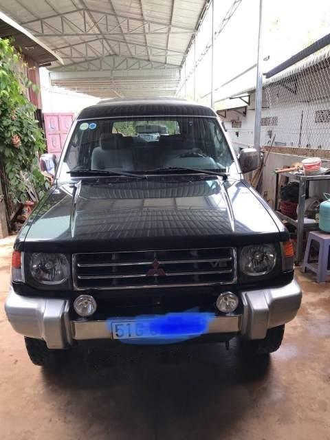 Cần bán Mitsubishi Pajero sản xuất 2003, hai cầu, máy xăng (1)