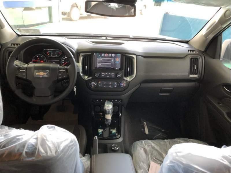Bán xe Chevrolet Trailblazer sản xuất năm 2019, màu trắng, xe nhập-4