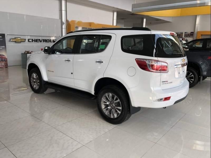 Bán xe Chevrolet Trailblazer sản xuất năm 2019, màu trắng, xe nhập-3