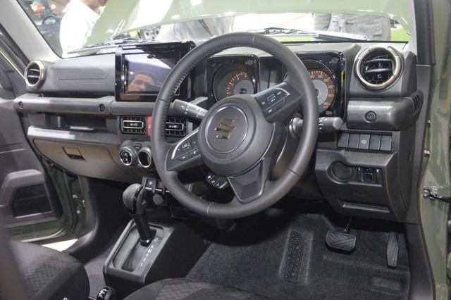 Suzuki Jimny trình làng tại Thái Lan, giá hơn 900 triệu đồng 16