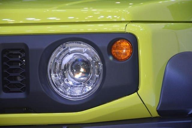 Suzuki Jimny trình làng tại Thái Lan, giá hơn 900 triệu đồng 11