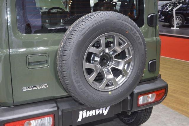 Suzuki Jimny trình làng tại Thái Lan, giá hơn 900 triệu đồng 21