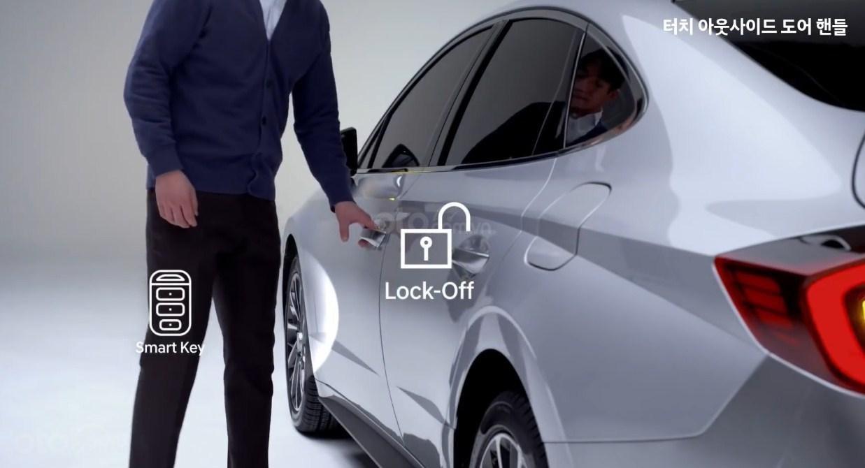 Công nghệ mở khóa bằng smartphone của Hyundai Sonata 2020 - 1