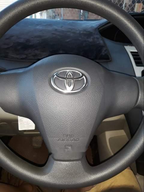 Bán Toyota Vios sản xuất năm 2008, màu bạc-1