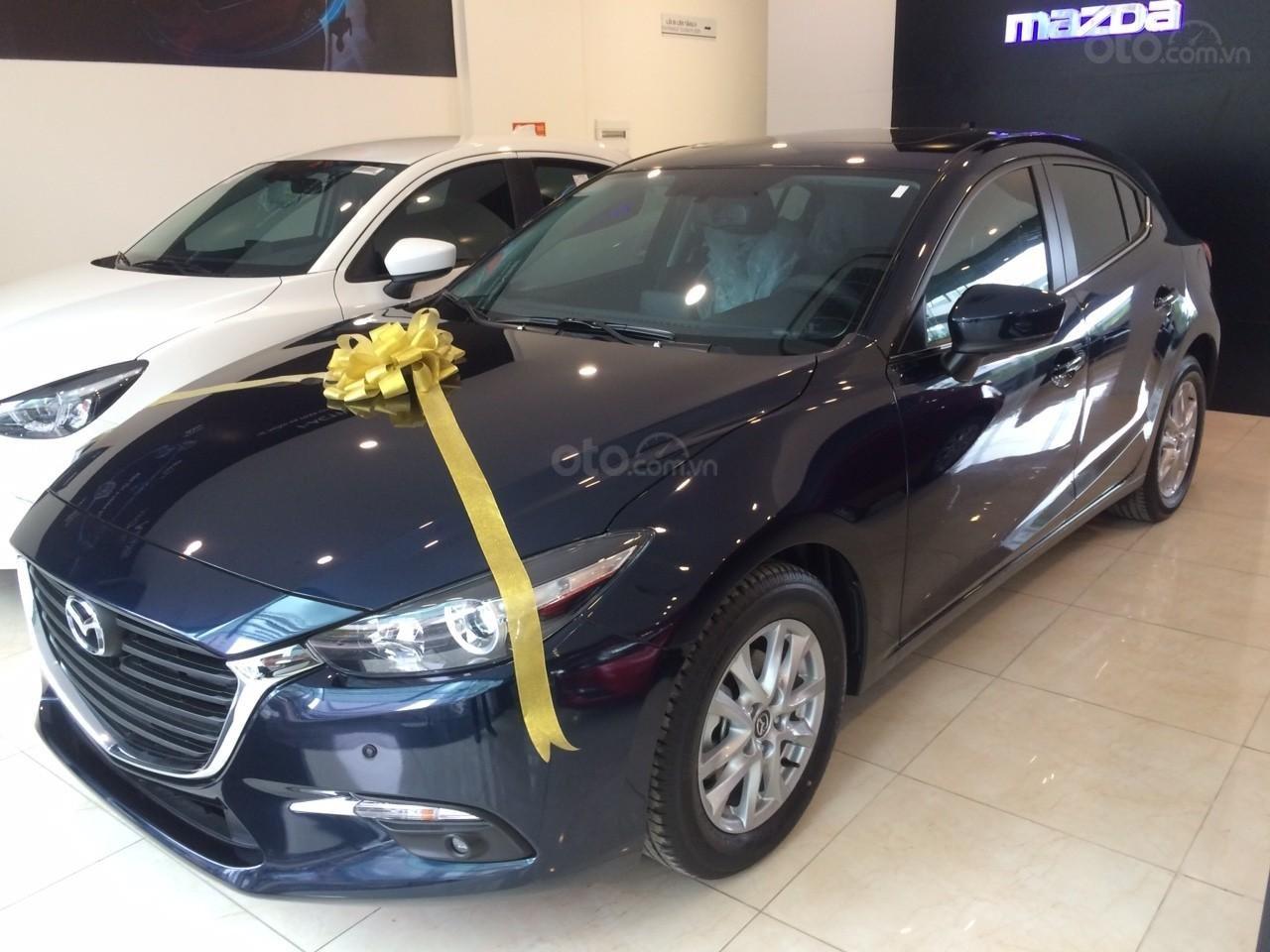 Mazda Hà Đông bán xe Mazda 3 Hatchback giá sập sàn. LH: 0944601785 để nhận thêm ưu đãi (1)