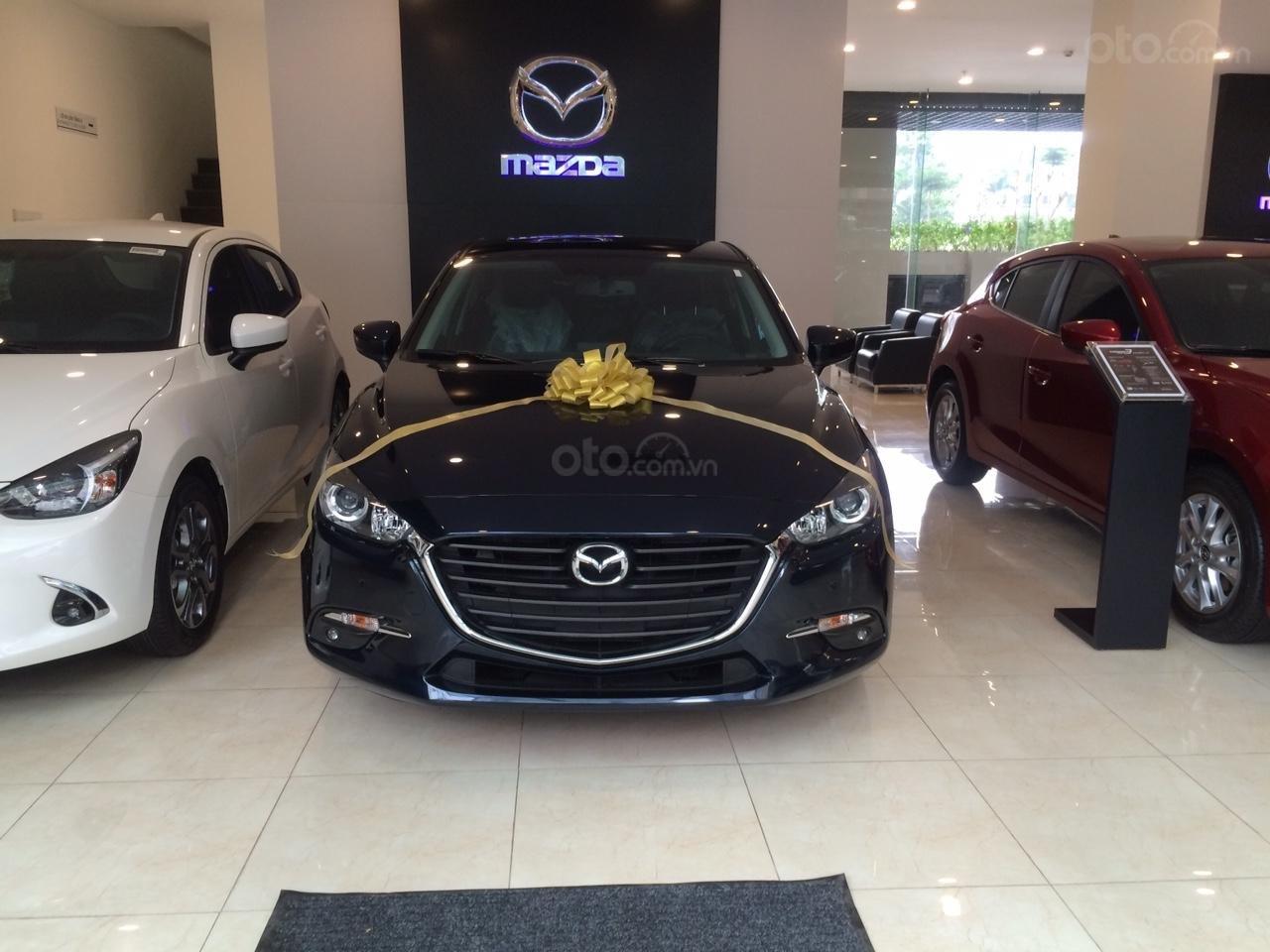 Mazda Hà Đông bán xe Mazda 3 Hatchback giá sập sàn. LH: 0944601785 để nhận thêm ưu đãi (7)