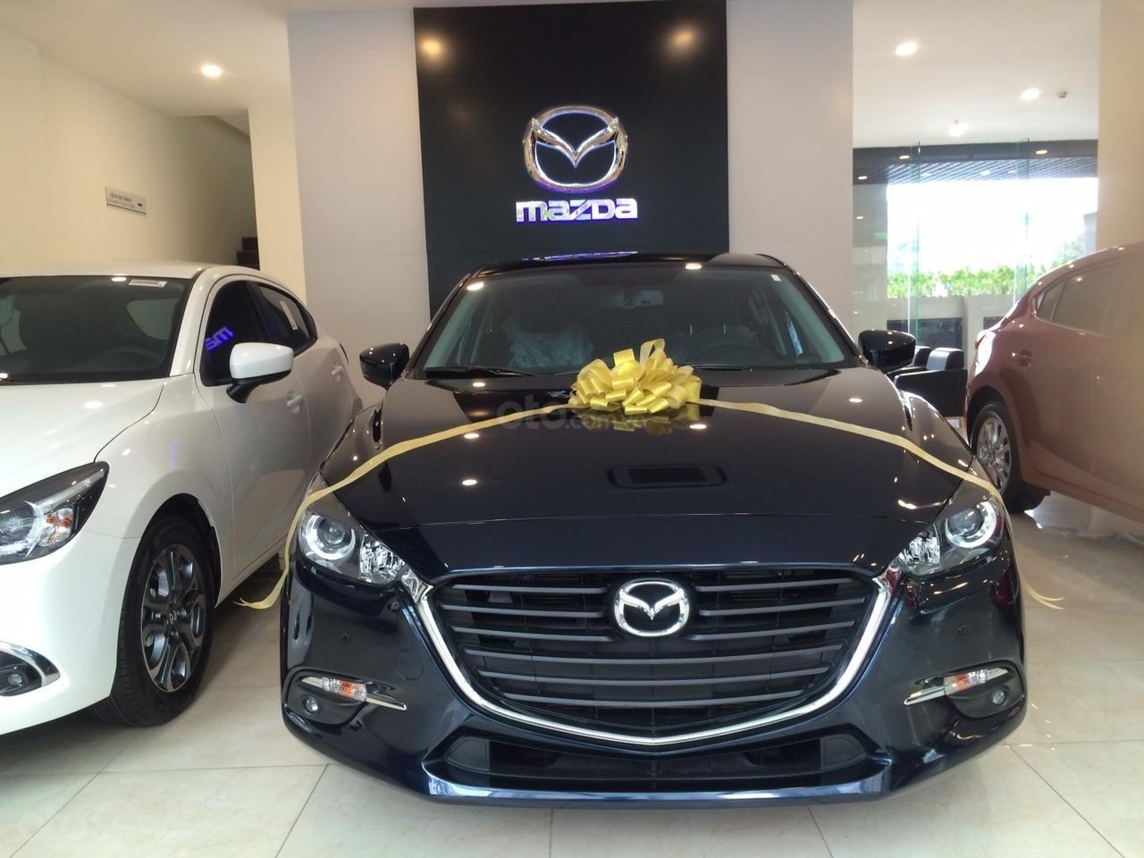 Mazda Hà Đông bán xe Mazda 3 Hatchback giá sập sàn. LH: 0944601785 để nhận thêm ưu đãi (3)