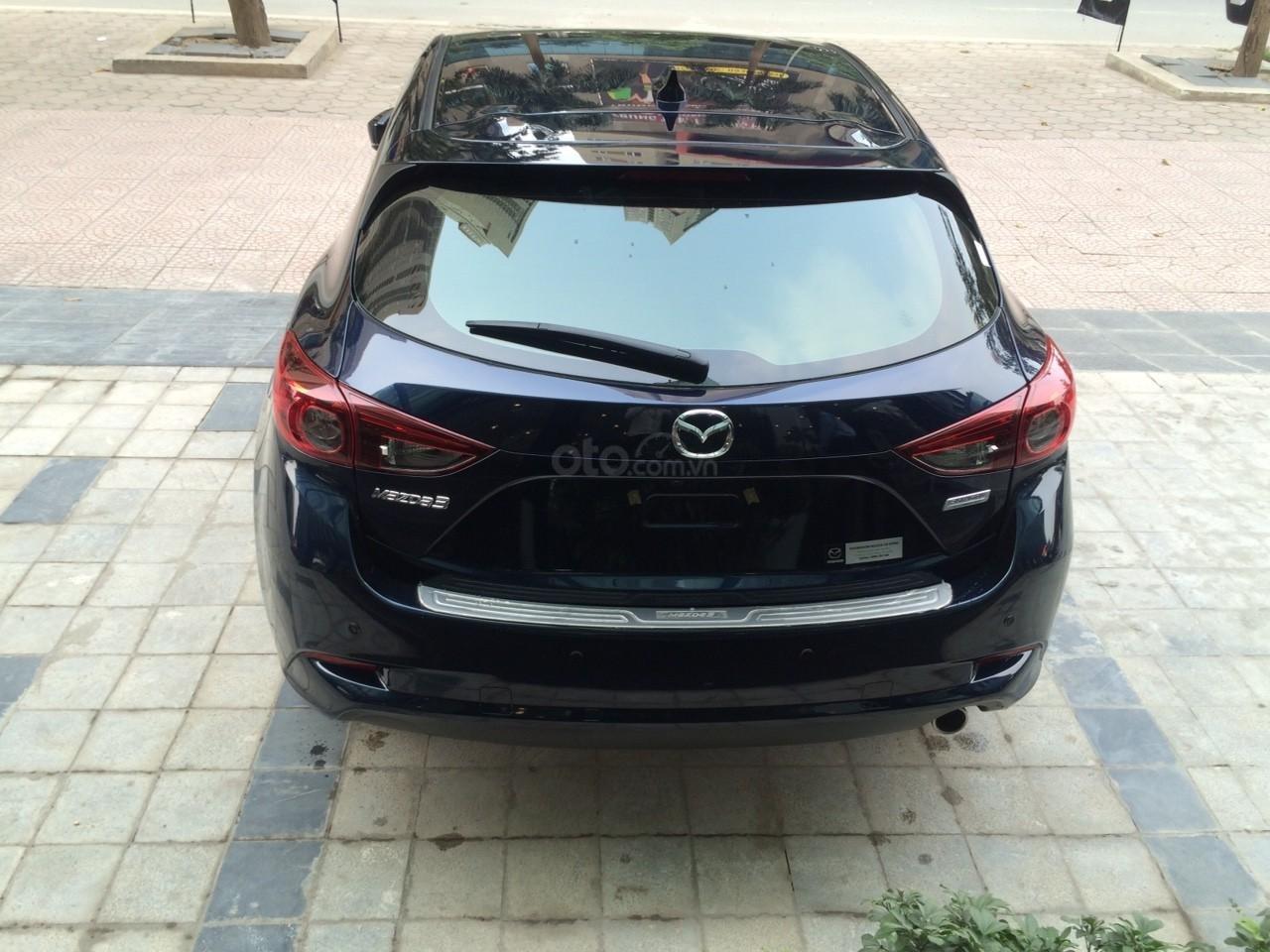 Mazda Hà Đông bán xe Mazda 3 Hatchback giá sập sàn. LH: 0944601785 để nhận thêm ưu đãi (10)