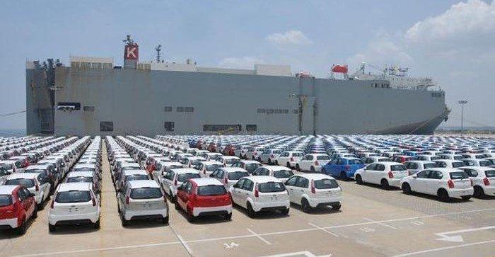 Trung Quốc tạm ngừng tăng thuế ô tô với xe nhập Mỹ.