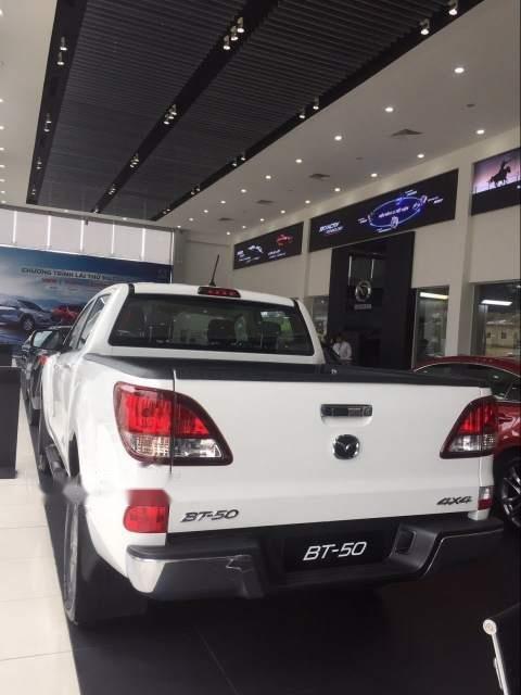 Cần bán xe Mazda BT 50 đời 2018, màu trắng, xe nhập-3