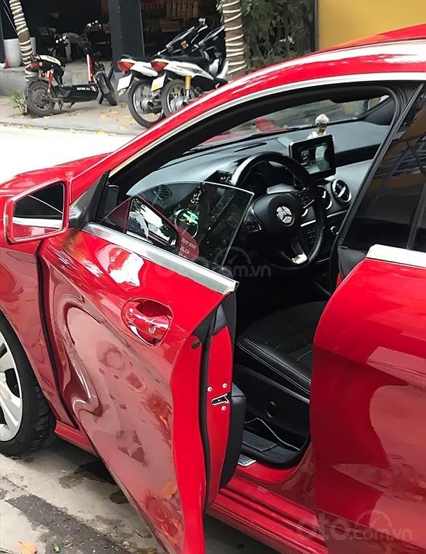Bán xe Mercedes CLA 200 màu đỏ, sản xuất 2015, đăng ký tháng 10/2015 (2)