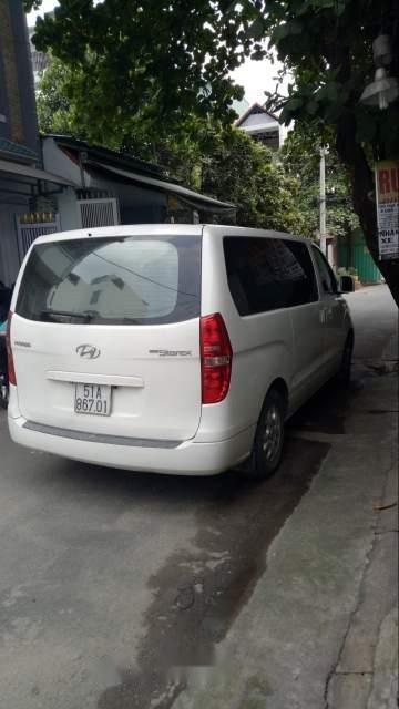 Cần bán xe Hyundai Starex sản xuất 2014, màu trắng chính chủ, 740tr-4