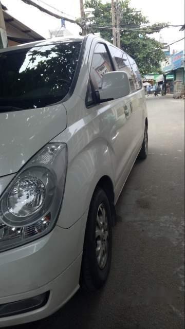 Cần bán xe Hyundai Starex sản xuất 2014, màu trắng chính chủ, 740tr-2