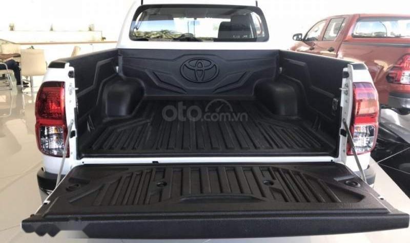 Toyota Mỹ Đình - Hilux đủ màu giao ngay, xe nhập nguyên chiếc, hỗ trợ trả góp -0901774586 (4)
