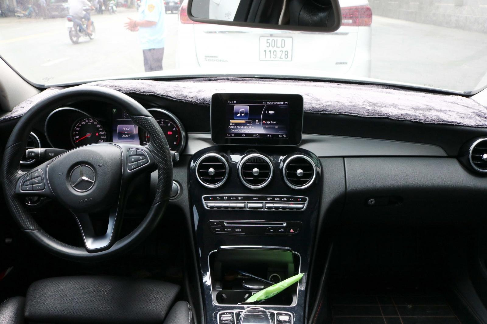 Bán xe Mercedes C200 model 2016, đi 30000km, xe chính chủ-8