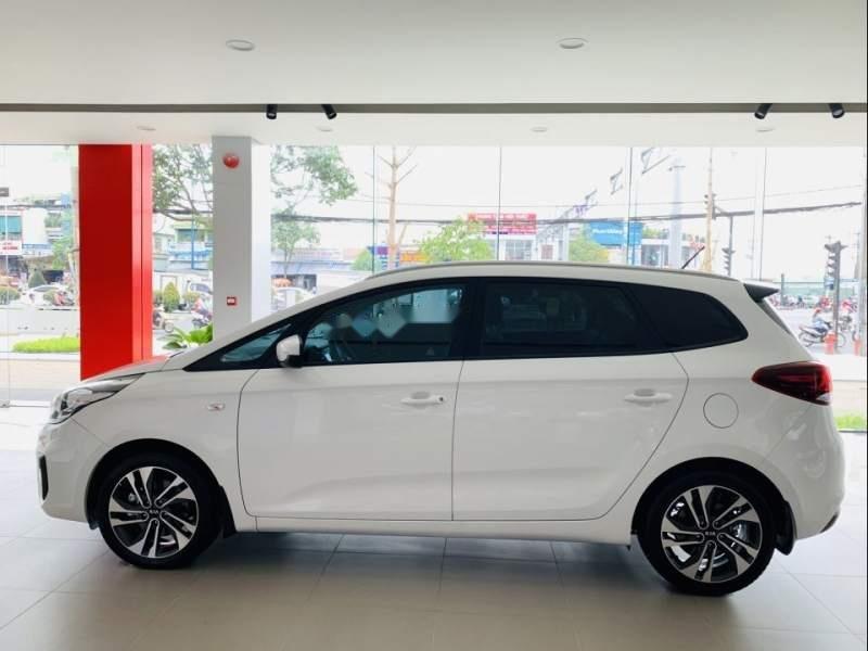 Bán xe Kia Rondo sản xuất 2019, màu trắng-0