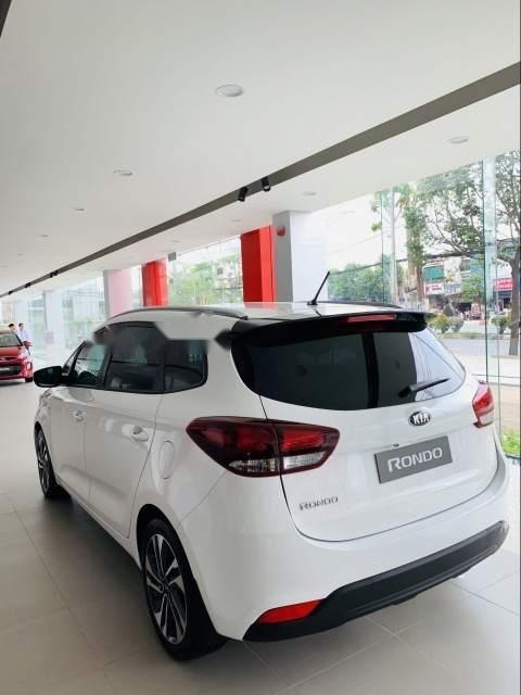 Bán xe Kia Rondo sản xuất 2019, màu trắng-3