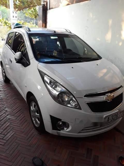 Bán Chevrolet Spark đời 2013, màu trắng còn mới (4)