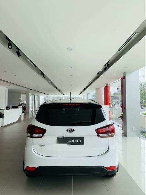 Bán xe Kia Rondo sản xuất 2019, màu trắng-4
