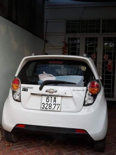 Bán Chevrolet Spark đời 2013, màu trắng còn mới (2)