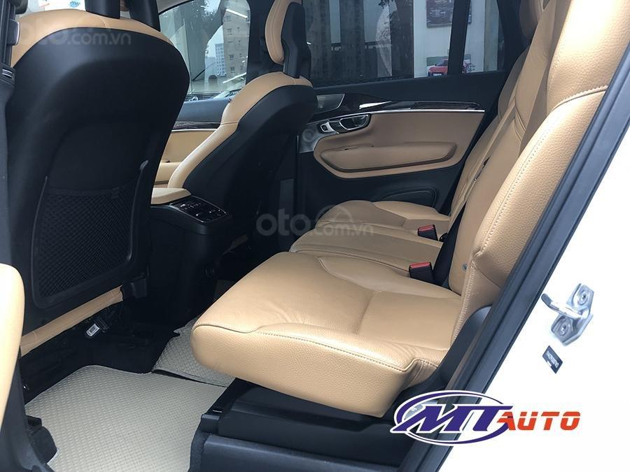 Bán ô tô Volvo XC90 Momentum 2017, màu trắng, xe nhập khẩu - LH em Hương 0945392468-6