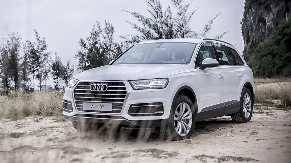 Showroom Audi bán xe Audi Q7, màu trắng, xe nhập. Hotline. 0935.576.958-1