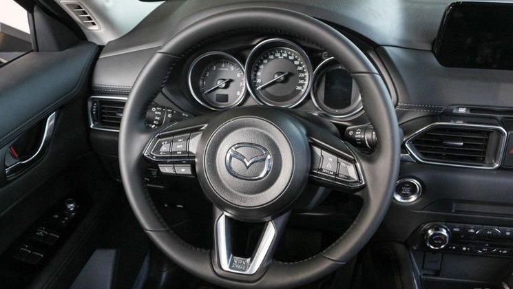 So sánh xe Mazda 3 2018 và Mazda CX-5 2018 về thiết kế nội thất - Ảnh 4.