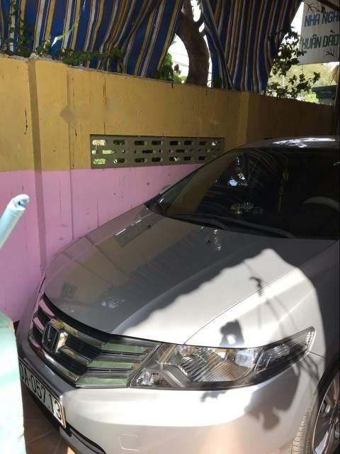 Bán xe Honda City sản xuất năm 2013, màu bạc, giá chỉ 400 triệu-3