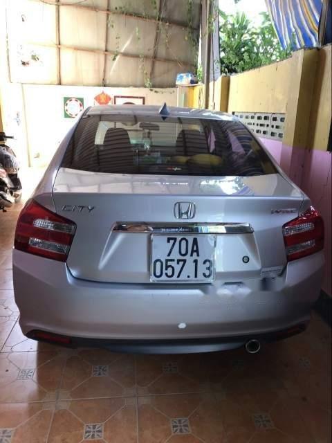 Bán xe Honda City sản xuất năm 2013, màu bạc, giá chỉ 400 triệu-5