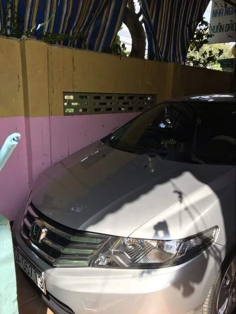 Bán xe Honda City sản xuất năm 2013, màu bạc, giá chỉ 400 triệu-2