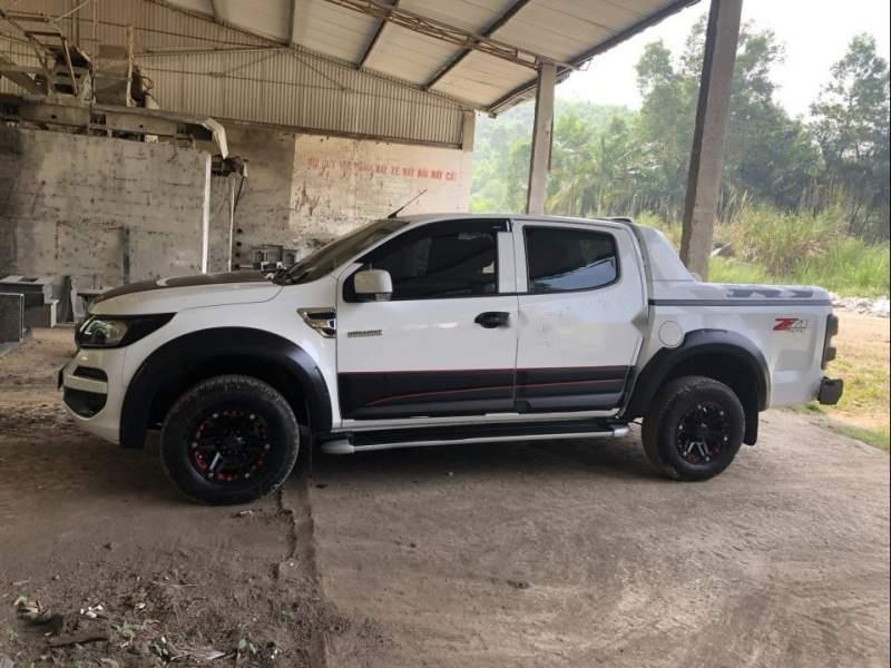 Bán Chevrolet Colorado 2.5 4x4 MT sản xuất 2017, màu trắng, nhập khẩu-0