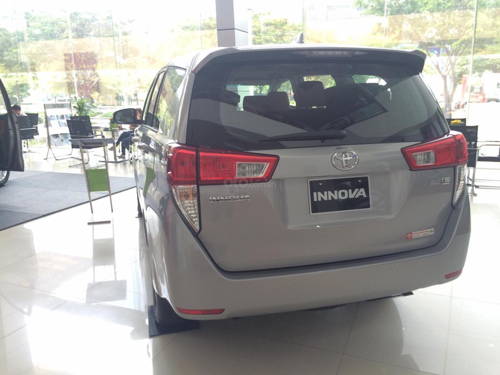 Cần bán Toyota Innova E 2019 màu bạc, 731 triệu-9