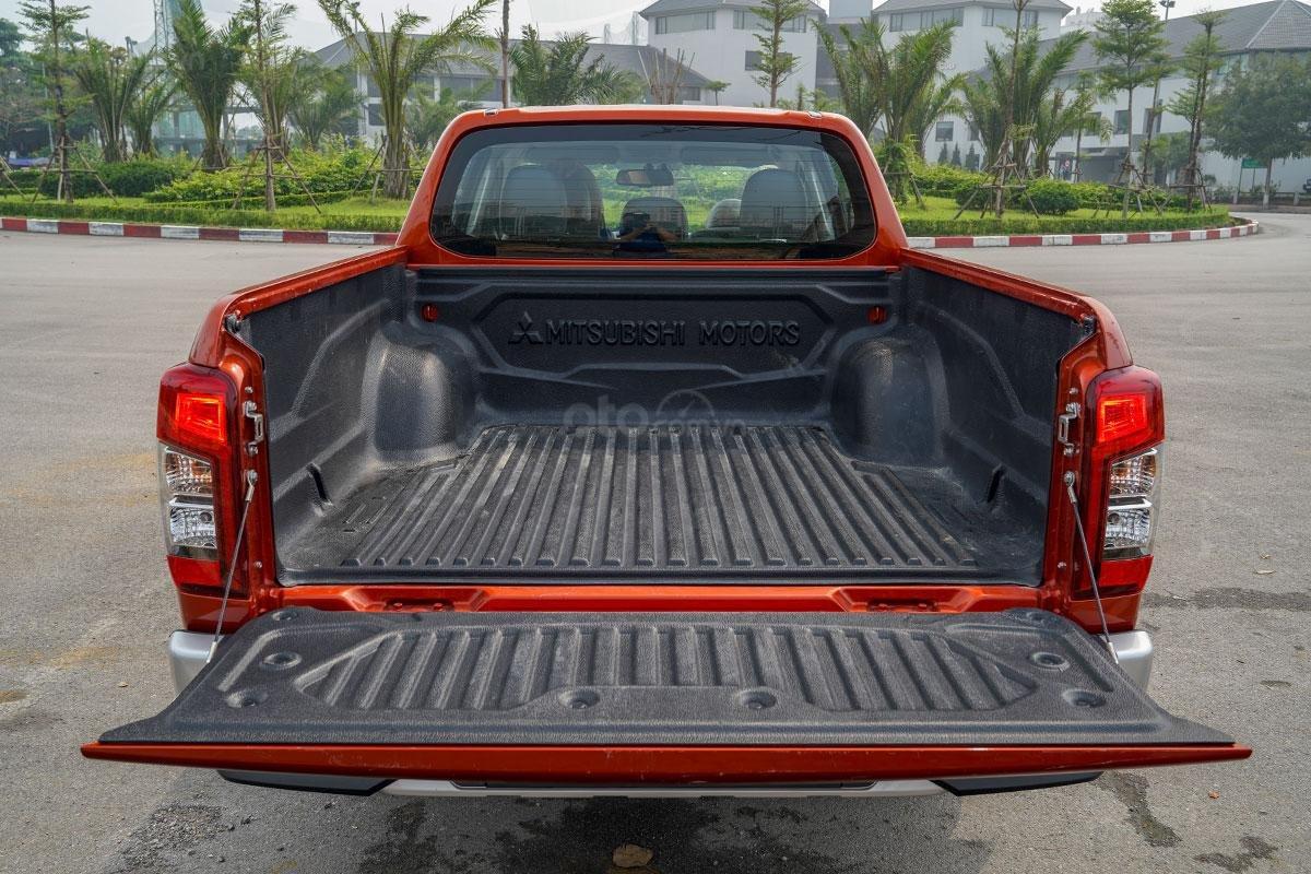 Đánh giá xe Mitsubishi Triton 2019 phiên bản 4x4 AT MIVEC: ảnh chụp thùng xe