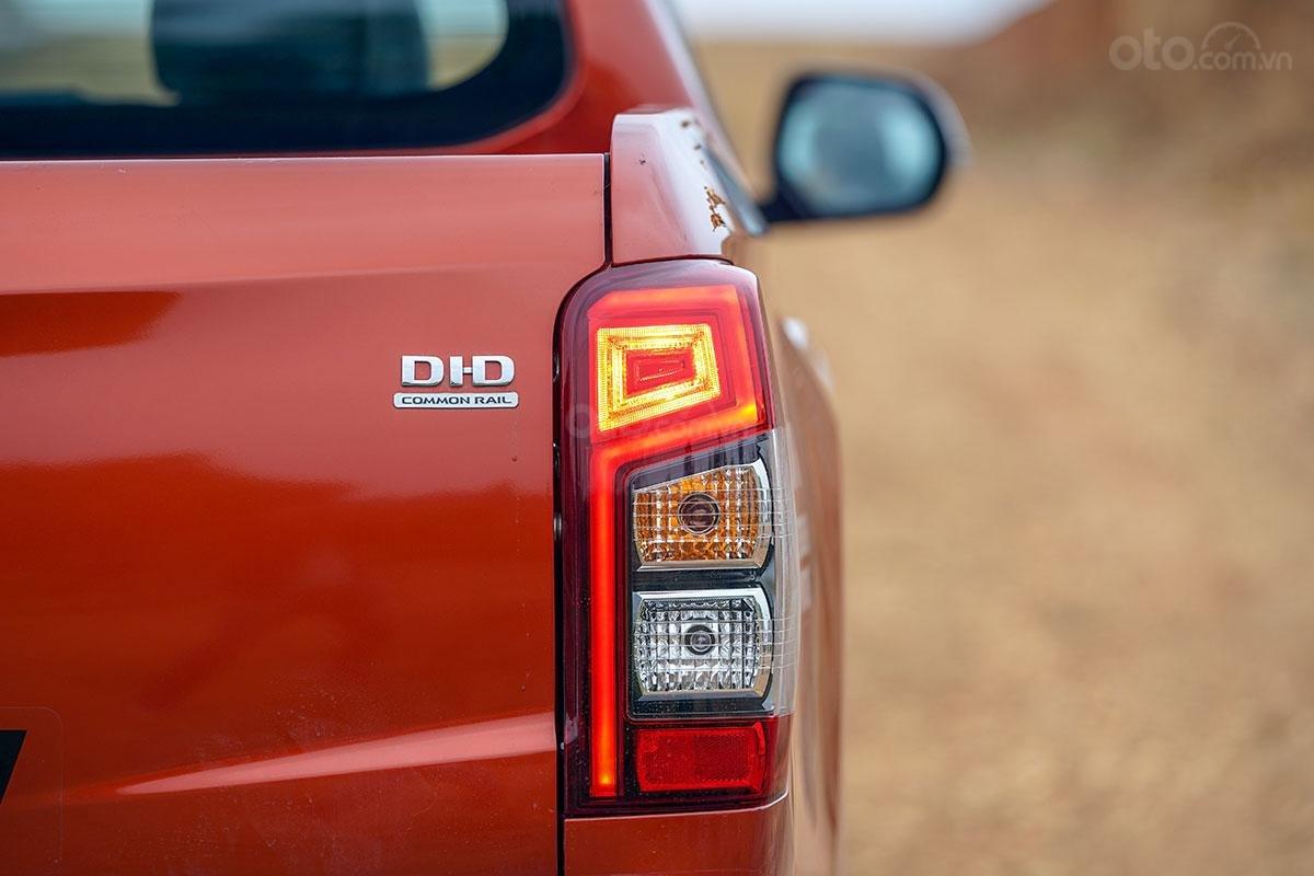 Đánh giá xe Mitsubishi Triton 2019 phiên bản 4x4 AT MIVEC: Ảnh chụp đèn hậu