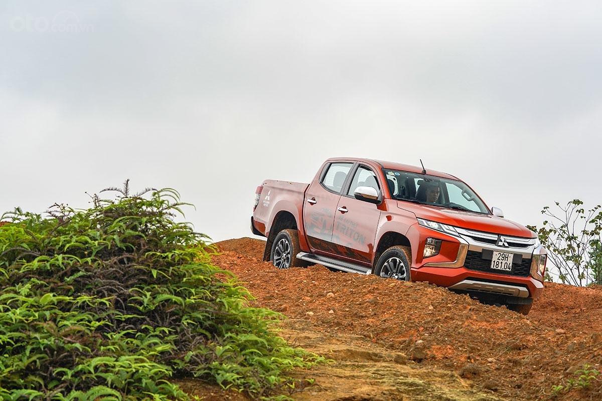 Đánh giá xe Mitsubishi Triton 2019 phiên bản 4x4 AT MIVEC a1